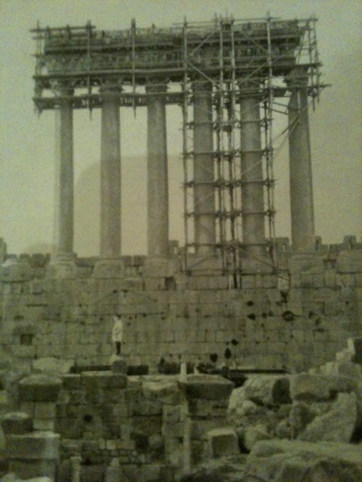La restauration des colonnes de Jupiter - L'Illustration No 4662 du 9 Juillet 1932
